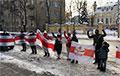 Возле посольства Беларуси в Вильнюсе прошла акция протеста