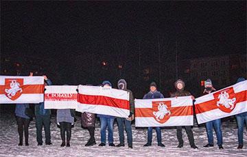Жители Орши с самого утра вышли на акцию солидарности