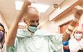 Британский пилот вылечился от коронавируса после рекордных 243 дней в больнице