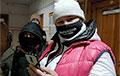 Суд отменил два дела против женщин, задержанных в лесу под Витебском