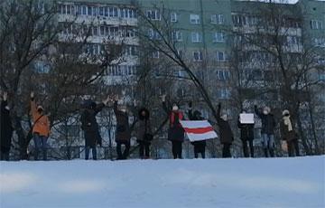 Цепи солидарности в минской Серебрянке собрались сразу в нескольких местах