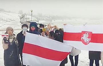 Смелые жители Речицы вышли в поддержку Игоря Лосика