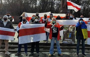 Белорусы Львова призвали украинские власти отказаться от покупки продукции МАЗ