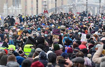 Die Zeit: В России – протесты, в Беларуси – восстание