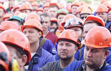 Анекдотическая ситуация: вести с белорусских предприятий шокировали режим