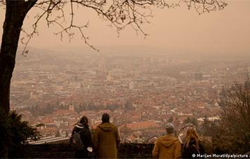 Фотофакт: Желтое небо над городами Европы