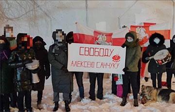 «Белорусы не простят, диктатуру победят!»