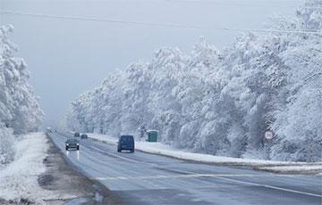 «Даже фуры трактором вытаскивают»: что происходит на дорогах Беларуси