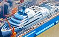 Forbes: Для Абрамовича строят 145-метровую суперъяхту