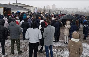 В Минске второе воскресенье подряд прихожане «Новой жизни» выходят на уличную молитву