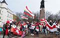 Беларусы Літвы выйшлі на традыцыйны нядзельны марш у Вільні