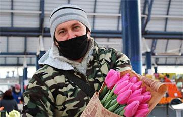 Як да 8 сакавіка ў Беларусі змяніліся цэны на кветкі