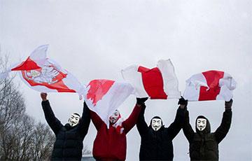 Партизаны Семково вышли на акцию и поздравили свободных белорусок