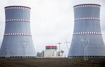 На втором энергоблоке БелАЭС началась загрузка имитаторов тепловыделяющих сборок в корпус реактора