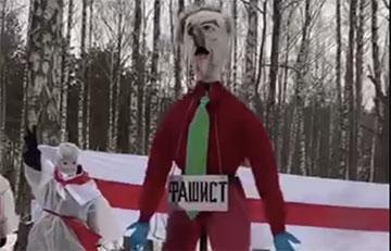 Во время акции белорусы «попрощались» с усатым фашистом