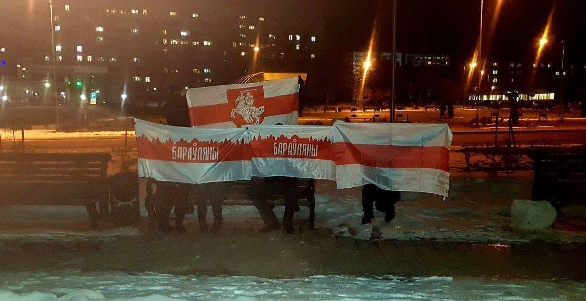Белорусы вышли на вечерние акции солидарности8