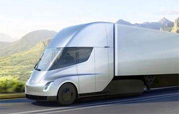 Tesla показала испытания своего грузовика