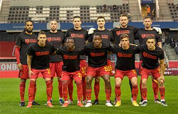 Фотофакт: Игроки сборной Бельгии на матч с белорусами вышли в майках с надписью «Футбол за перемены»