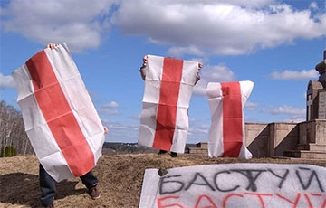«Бастуй!»: жители Борисова поддержали уходящих в стачку рабочих