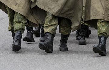 «Стоит перед глазами этот мальчик»: рассказ пенсионерки, которая сдала в милицию сбежавшего с полигона солдата