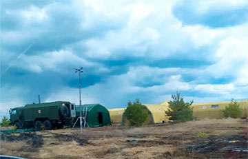 CIT, Bellingcat и NYT показали полевой лагерь российских военных у границы с Украиной