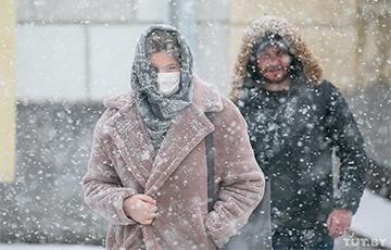 Фотофакт: Как сегодня страну засыпало снегом