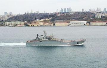 Отряд российских военных кораблей зашел в Черное море