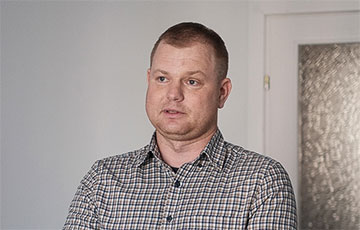 Activist Andrei Sharenda Tells How He Managed To Escape From House Arrest, Flee Belarus