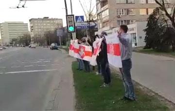 Минчане выстроились в цепь солидарности