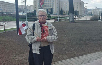 Nina Bahinskaya Came to the Red Church with a White-Red-White Flag