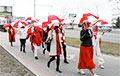 Minsk Resident Started Morning With Jog Dedicated To Girls With White-Red-White Umbrellas
