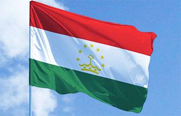 Таджикистан впустил на свою территорию сотни афганских военных0