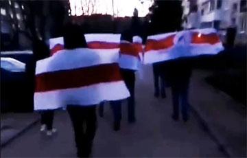 «С твердой уверенностью в победе над режимом»: жители Гродно вышли на марш