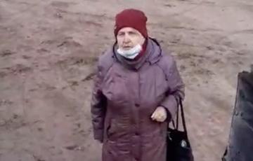 Видеофакт: Бабушка эмоционально высказывается о Таракане и его приспешниках
