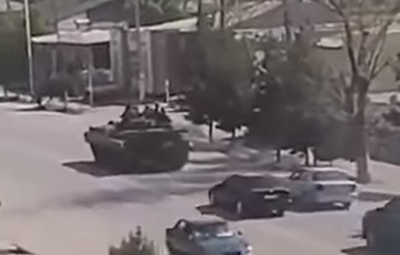 Таджикистан начал стягивать войска к границе с Кыргызстаном
