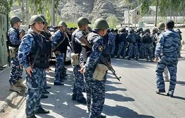 Кыргызстан и Таджикистан отвели войска и технику от границы0
