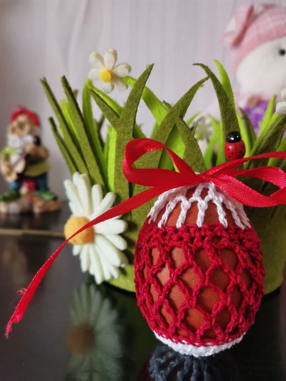 Белорусы готовы праздновать Пасху с бело-красно-белой символикой1