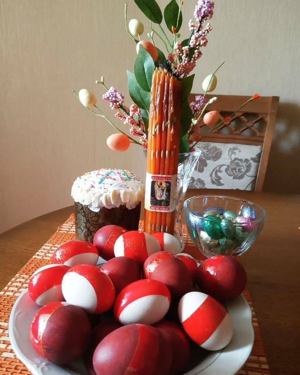 Белорусы готовы праздновать Пасху с бело-красно-белой символикой5
