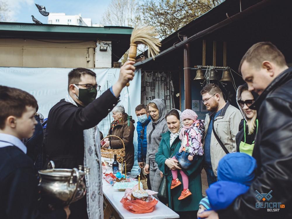Как в православных храмах верующие отметили Великую субботу: фоторепортаж5