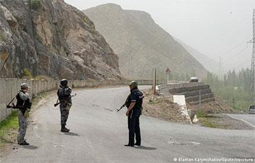 Президент Кыргызстана предложил Таджикистану способ сохранить мир на границе