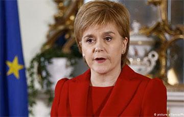 Премьер-министр Шотландии бросила вызов Борису Джонсону