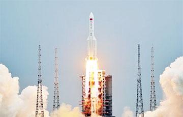З'явілася відэа падзення некіравальнай кітайскай ракеты ў Індыйскі акіян