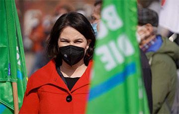 Успех «зеленых»: что известно об Анналене Бербок, которая может стать канцлером Германии