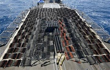 Стало известно, куда направлялся задержанный США крейсер с российским оружием