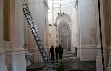 «В костеле все еще идет «дождь»: что сейчас происходит в Будславе