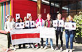 Студенты-медики университета Erasmus вышли на акцию солидарности с белорусами и «послали» Таракана