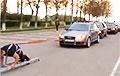 Видеофакт: Гродненский силач протянул на канате 13 автомобилей