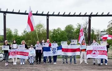 Жители Белостока вместе со студентами БНТУ вышли на акцию солидарности0