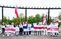 Жыхары Беластока разам са студэнтамі БНТУ выйшлі на акцыю салідарнасці