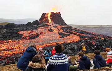 У Ісландыі выставілі на продаж зямельны надзел з дзейным вулканам